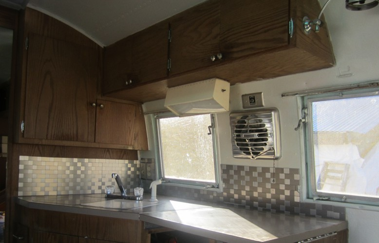 Peeman s gotta have hobbies airstream refurbish post 2 for Complete new kitchen